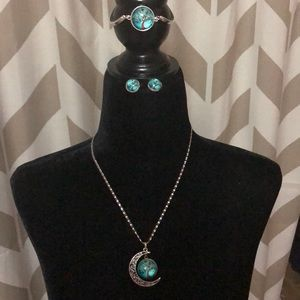 Jewelry - Tree of life necklace, earrings, and bracelet set